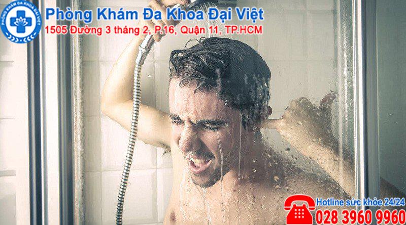 Tắm nước nóng có gây vô sinh không ?