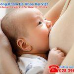 Nguyên nhân và triệu chứng tắc tia sữa ở mẹ sau sinh